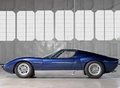 Lamborghini Miura SV... damn, that's beautiful!