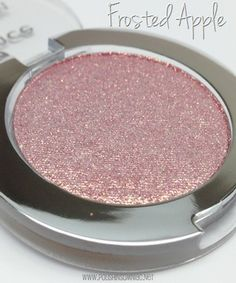 Essence Metal Glam Frosted Apple