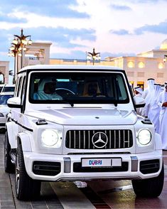 Jobs in Dubai, dubai and uae employment for all Professionals, Semi-professionals, skilled and Semi-skilled job seekers. Mercedes G Wagon, Mercedes Benz Amg, Merc G Class, White G Wagon, Dubai Beach, Dubai Airport, Dubai Cars, Benz G, Night Driving