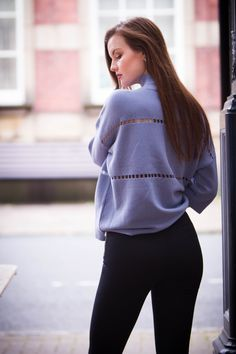 skinny black trousers outfit ideas for fall | casual sweater autumn outfit