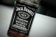 Jack Daniel's Lynchburg Lemonade recipe! Stunning Jack Daniels Bottle.  #weekendstarter #cocktails #drinks #recipe #jackdaniels Triple Sec, Lynchburg Lemonade, Tennessee, Jack Daniels Whiskey, Starters, Whiskey Bottle, Cocktails, Alcohol, Juice
