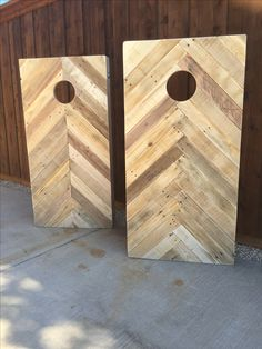 Cornhole boards made completely out of pallets. Chevron & herringbone patterns. #pallet #cornhole