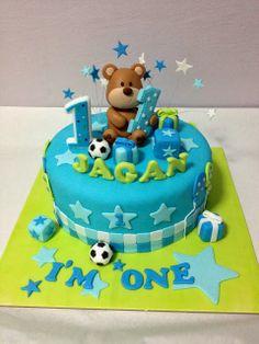 Teddy bear cake for Jagan's first birthday! Happy Birthday Bear, Baby First Birthday Cake, Boys 1st Birthday Party Ideas, Baby Boy Cakes, Cakes For Boys, Girl Cakes, Cake Oven, French Cake, Teddy Bear Cakes