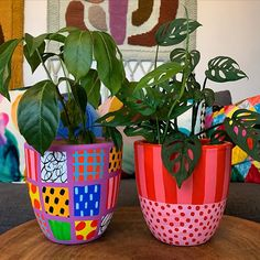 Painted Plant Pots, Painted Flower Pots, Bottle Art, Bottle Crafts, Clay Pot Crafts, Diy And Crafts, Flower Pot Art, Pottery Painting Designs, Keramik Design