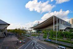Makuhari Messe International Convention Center (幕張メッセ 国際展示場) / Architect by Fumihiko Maki (設計:槇文彦)