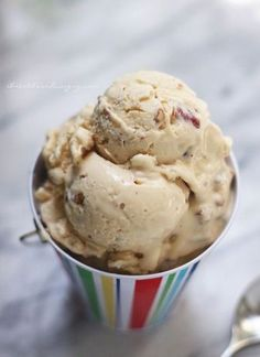 A lchf, keto, and atkins friendly ice cream recipe from Mellissa Sevigny of I Breathe Im Hungry