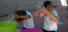 5 juegos con agua para refrescarse este verano | Manualidades