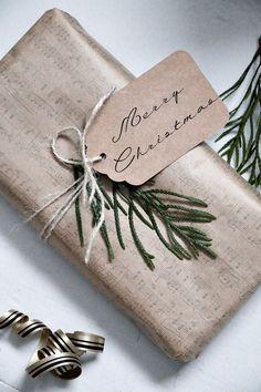Täyttä elämää: Luukku 8-Paketointipuuhia Place Cards, Merry, Packaging, Place Card Holders, Tableware, Dinnerware, Tablewares, Wrapping, Dishes