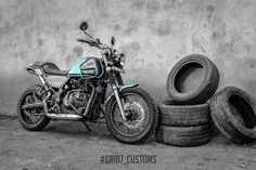 a custom garage in Thrissur, Kerala have reworked a Royal Enfield Himalayan and the result is nothing short of stunning! Custom Garages, Custom Bikes, Himalayan Royal Enfield, Bike India, Royal Enfield Wallpapers, Royal Enfield Modified, Enfield Motorcycle, Royal Enfield Bullet, Forest Green Color