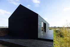 Stealth barn, Carl Turner, Carl Turner Architects, black barn, Norfolk, Cambridge, Cambridgeshire,