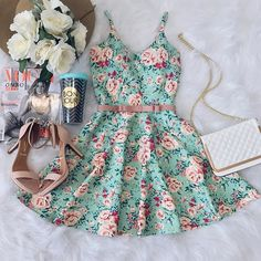 This pin was discovered by rahma abdelmoaty. Pretty Dresses, Sexy Dresses, Beautiful Dresses, Dress Outfits, Casual Dresses, Cool Outfits, Short Dresses, Casual Outfits, Fashion Dresses