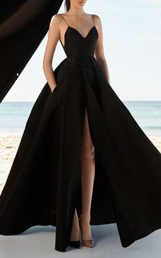 Black ball gown with a slit, sexy ball gown .- Schwarzes Ballkleid mit Schlitz, sexy Ballkleid Black ball gown with a slit, sexy ball gown # - Pretty Prom Dresses, A Line Prom Dresses, Formal Evening Dresses, Women's Dresses, Elegant Dresses, Dress Prom, Awesome Dresses, Dress Formal, Prom Dresses Black Long