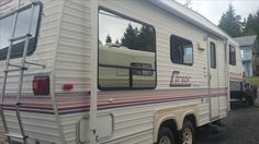 24ft 1991 Corsair  5th wheel trailer.  Good condition (3 way fridge needs…