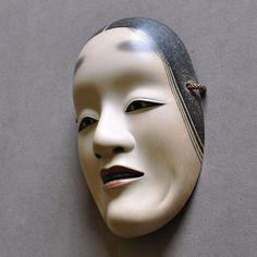 Wood Carving Noh Mask of Shakumi by Nagasawa Ujiharu