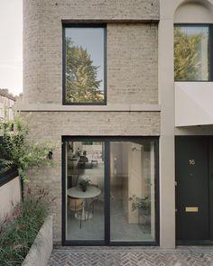 Victorian Conservatory, Victorian Homes, Architecture Résidentielle, Contemporary Architecture, Eckhaus, Victorian Street, Architects London, Journal Du Design, Boundary Walls
