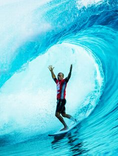 Worlds greatest living surfer Kelly Slater! Seriously it you can argue this point I'm all ears.