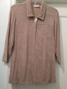 CHICO'S TRAVELERS 0 (2/4) BROWN TRAVEL KNIT ONE BUTTON  BLOUSE TOP-$18.00 #Chicos #KnitTop #any