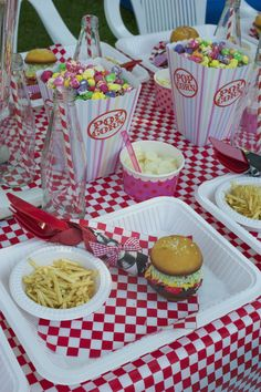 Retro Diner Party For Daves Grease Themed Parties, 50s Theme Parties, Grease Party, Fifties Party, Retro Party, Dinner Themes, Dinner Party Recipes, 1950 Diner, Retro Diner