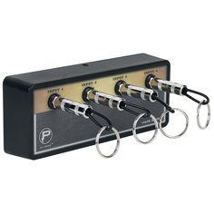 La Legato Jack Rack tiene las siguientes medidas: 20.32 cm de ancho (8 pulgadas), alto 7.62 cm (3 pulgadas) y 3.81 cm de profundo (1.5 pulgadas)  A quien no le ha pasado de no encontrar las llaves en el peor momento... Con la Jack Rack of Pluginz ese problema será historia! Con espacio para 4 llaveros de clavija, la Jack Rack supera a otros modelos.  Para los fans de la música.  Esto no guarda tu llaves de cualquier manera!