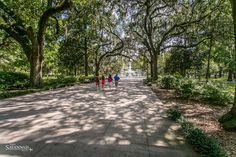 Between historical monuments, natural wonders and beautiful buildings, Savannah has way too many wonders to count! For the sake of brevity, here are seven.