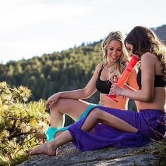 Everyone needs a bong and chill bae. Tag yours! @miss_lana_polefit #Repost ・・・ Hot damn thank you so much everyone for all the love on this amazing photo shoot we did.  When @ninapoles came to us with the idea there was no way we could say no. We got to wander this beautiful Boulder hiking trail while doing our two favorite things, smoking and acro. Thank you @cat.in.a.cloud and @boulderchive for being the best assistants ever and @ninareedphoto for these amazing pictures. Also, @pole_yogi…