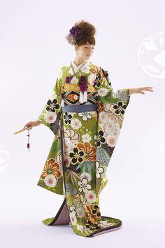 2b00a588f86f0 沖縄でウエディングドレス・カラードレス・和装・タキシードのレンタルなら沖縄ウエディング