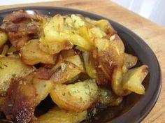 Patatas al ajo cabañil - Kindhearted Tutorial and Ideas Potato Recipes, Veggie Recipes, Vegetarian Recipes, Healthy Recepies, Spanish Food, Dairy Free Recipes, Healthy Cooking, Food To Make, Good Food