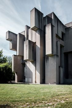 Image 7 of 27 from gallery of The Bizarre Brutalist Church that Is More Art than Architecture. Photograph by Denis Esakov Concrete Architecture, Minecraft Architecture, Church Architecture, Urban Architecture, Futuristic Architecture, Architecture Photo, Beautiful Architecture, Eero Saarinen, Interesting Buildings
