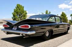 1959 Chevrolet Biscayne 300 HP Police Pursuit For Sale    当時のアメ車はいい味出してるんだよね。