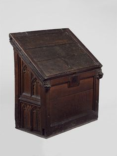 Oak Desk Cupboard - Missing it's original base, or platform. The sloping top lifts up, giving access to storage space inside - English - 1420-1450 - Front View