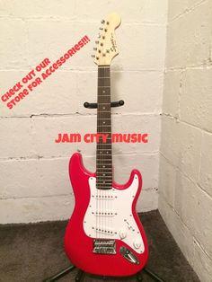 Fender Squier Mini Stratocaster Electric Guitar Red 3/4 Size Strat L@@K!!! #SquierbyFender 304.374-3194 www.jamcitycentral.com on ebay www.jamcitymusicusa.com @jamcitymusicUSA