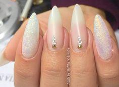New nails   @melikagn  #babyboomers #ombrenails #glitter #glitternails #nails #nailart #nailswag #nailstagram #naildesigns #nailedit #nails2017 #pink #nails