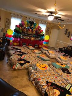 Discover recipes, home ideas, style inspiration and other ideas to try. Birthday Sleepover Ideas, Sleepover Birthday Parties, Fun Sleepover Ideas, Birthday Party For Teens, Sweet 16 Birthday, Birthday Party Themes, Girl Birthday, Sleepover Food, Sleep Over Party Ideas