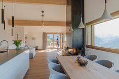 Einfamilienhaus Flütsch in Pany - architetta schiers ag Modern House Ideas For You After leaving the Minimalist Bathroom Furniture, Minimalist Interior, Interior Minimalista, Girl Bedroom Designs, Asian Decor, Family Room Design, Living Room With Fireplace, Apartment Design, Gothic House