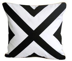 black & white pattern pillowcase