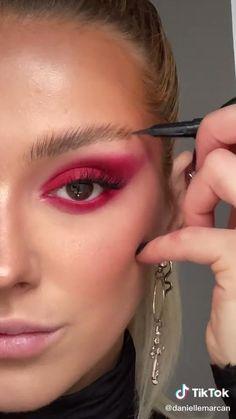 Prom Eye Makeup, Halloween Eye Makeup, Edgy Makeup, Makeup Eye Looks, Creative Makeup Looks, Eye Makeup Art, Crazy Makeup, Eyeshadow Looks, Hair Makeup