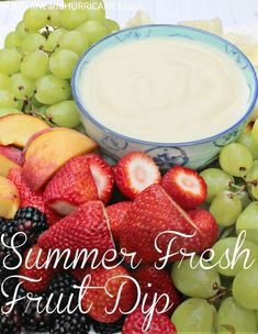 Need a simple idea for Summer entertaining? This easy Summer Fresh Fruit Dip is - Food and drinks interests Pool Snacks, Snacks Für Party, Fruit Snacks, Easy Snacks, Appetizers For Party, Healthy Snacks, Fruit Party, Pool Party Recipes, Kid Snacks