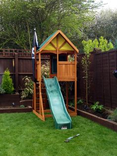Fantastic backyard playground design and areas for your kids Part 26 - Modern Design Kids Backyard Playground, Backyard Playset, Playground Flooring, Backyard House, Natural Playground, Playground Design, Fire Pit Backyard, Backyard For Kids, Backyard Landscaping