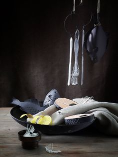 Paper still life by Fideli Sundqvist.   http://www.marielouisesundqvist.com/index/index.php?/ongoing/still-life/