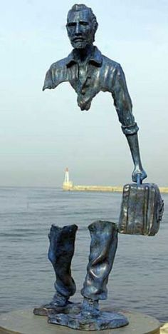 unusual sculpture by bruno catalano located in france