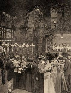 Garden of the Moulin Rouge. There's the elephant that was in the Moulin Rouge movie! Antique Photos, Vintage Pictures, Vintage Photographs, Old Pictures, Vintage Images, Old Photos, Paris 1900, Old Paris, Vintage Paris