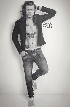 So hot Harry Styles Harry Styles Edits, One Direction Harry Styles, Harry Edward Styles, Direction Quotes, Anne Cox, Niall Horan, Zayn Malik, Florian David Fitz, Holmes Chapel