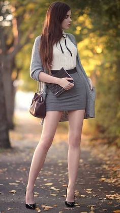 Women With Beautiful Legs, Beautiful Girl Image, Sexy Outfits, Cool Outfits, Winter Fashion Outfits, Work Fashion, Fashion Beauty, Idda Van Munster, Sexy Women