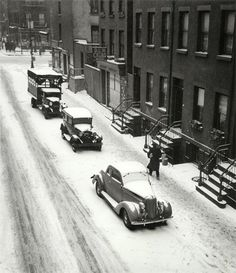 Cars in Snow. New York, 1940.