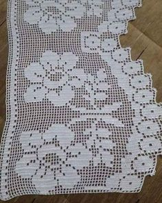 This Pin was discovered by Ayş Crochet Lace Edging, Filet Crochet, Crochet Curtains, Bargello, Needlework, Embroidery, Instagram Posts, Home Decor, Crochet Shorts