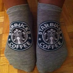 Starbucks Socks too cute! I would totally wear these ! Starbucks Coffee, Starbucks Drinks, Starbucks Art, Coffee Is Life, I Love Coffee, Starbucks Birthday, Common White Girl, Crazy Socks, Cute Socks