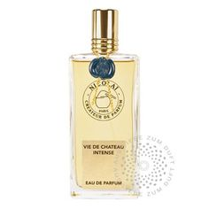 Patricia de Nicolaï - Vie de Chateau - IntenseTop Note: Grapefruit, Fern, Grass, Herbal Notes Heart Note: Vetiver, Tobacco, Hay Base Note: Patchouly, Oakmoss, Musk