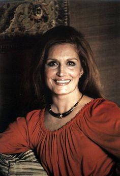 Dalida... Dalida, Famous Singers, Glamour, Celine Dion, Portraits, Brigitte Bardot, Superstar, Classy, Celebs