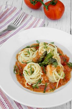 ENTREE// Spaghetti with Fresh Tomato Sauce