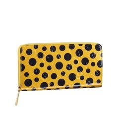 Can't get enough dots? Check out all the accessories, scarves, jewelry and small leather goods from Yayoi Kusama for Louis Vuitton. Vintage Louis Vuitton, Louis Vuitton Artsy, Louis Vuitton Wallet, Louis Vuitton Handbags, Authentic Louis Vuitton, Louis Vuitton Monogram, Hermes Handbags, Vuitton Bag, Leather Handbags